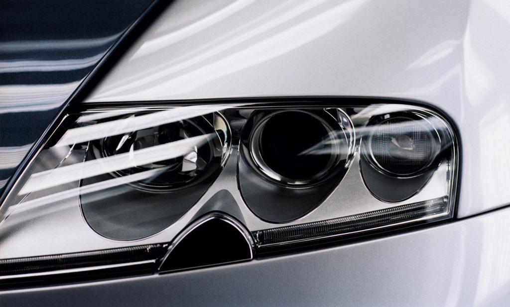 Авто Bugatti Veyron 16,4 2005–11 фара фото