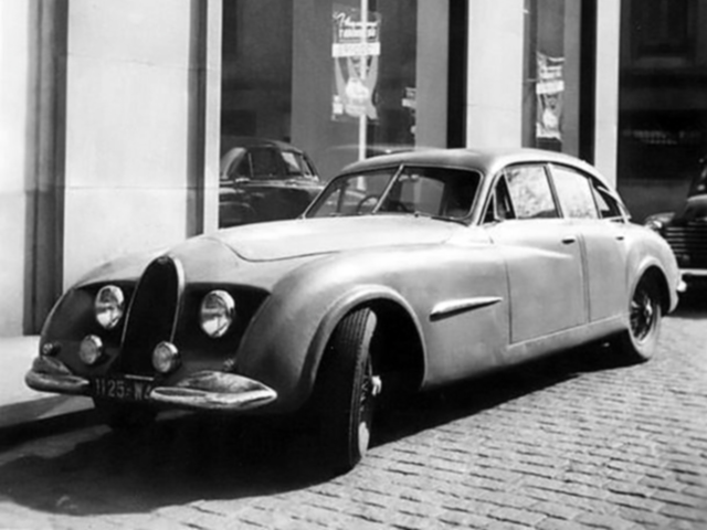 Bugatti Type 101 Sedan by Gangloff 1952 фото 1